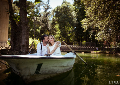 bride and groom Villa Borghese Lake
